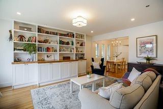"""Photo 3: 928 GLENACRE Court in Port Moody: College Park PM House for sale in """"COLLEGE PARK"""" : MLS®# R2470357"""