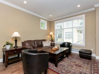 """Photo 3: 14 17171 2B Avenue in Surrey: Pacific Douglas Townhouse for sale in """"AUGUSTA TOWNHOUSES"""" (South Surrey White Rock)  : MLS®# R2478640"""