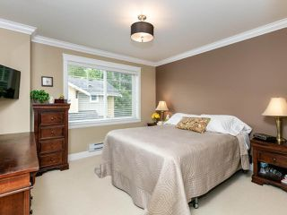 """Photo 11: 14 17171 2B Avenue in Surrey: Pacific Douglas Townhouse for sale in """"AUGUSTA TOWNHOUSES"""" (South Surrey White Rock)  : MLS®# R2478640"""
