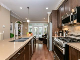 """Photo 8: 14 17171 2B Avenue in Surrey: Pacific Douglas Townhouse for sale in """"AUGUSTA TOWNHOUSES"""" (South Surrey White Rock)  : MLS®# R2478640"""