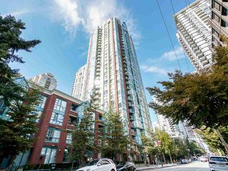 "Main Photo: 908 939 HOMER Street in Vancouver: Yaletown Condo for sale in ""The Pinnacle"" (Vancouver West)  : MLS®# R2501686"