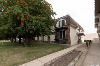 Photo 3: 11 3825 Luther Place in Saskatoon: West College Park Residential for sale : MLS®# SK827114