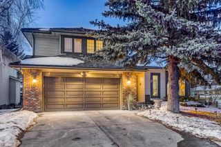 Main Photo: 83 Douglas Woods Close SE in Calgary: Douglasdale/Glen Detached for sale : MLS®# A1060591
