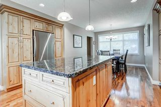 Photo 9: 5631 LODGE Crescent SW in Calgary: Lakeview Detached for sale : MLS®# C4261500