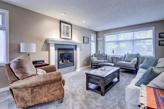Photo 4: 5631 LODGE Crescent SW in Calgary: Lakeview Detached for sale : MLS®# C4261500