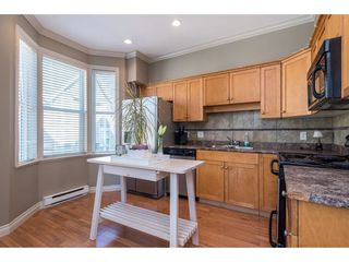 "Photo 8: 1 33321 GEORGE FERGUSON Way in Abbotsford: Central Abbotsford Townhouse for sale in ""Cedar Lane"" : MLS®# R2438184"