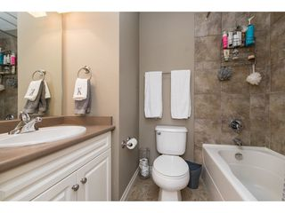 "Photo 14: 1 33321 GEORGE FERGUSON Way in Abbotsford: Central Abbotsford Townhouse for sale in ""Cedar Lane"" : MLS®# R2438184"