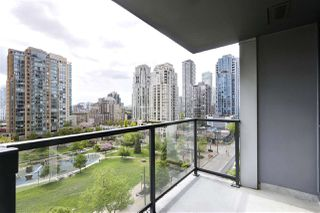 "Photo 9: 705 1155 SEYMOUR Street in Vancouver: Downtown VW Condo for sale in ""BRAVA NORTH"" (Vancouver West)  : MLS®# R2453073"