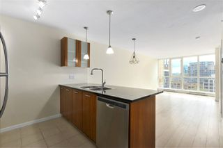 "Photo 3: 705 1155 SEYMOUR Street in Vancouver: Downtown VW Condo for sale in ""BRAVA NORTH"" (Vancouver West)  : MLS®# R2453073"