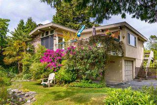 Photo 2: 400 ENGLISH BLUFF Road in Delta: Pebble Hill House for sale (Tsawwassen)  : MLS®# R2459377
