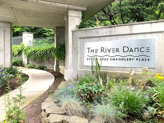 """Photo 3: 810 2763 CHANDLERY Place in Vancouver: South Marine Condo for sale in """"RIVER DANCE"""" (Vancouver East)  : MLS®# R2469769"""