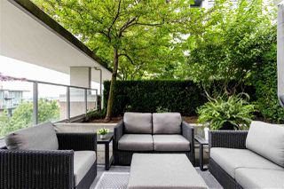 """Photo 4: 306 158 W 13TH Street in North Vancouver: Central Lonsdale Condo for sale in """"Vista Place"""" : MLS®# R2473450"""