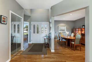 Photo 2: 1890 Mallard Dr in : CV Courtenay East House for sale (Comox Valley)  : MLS®# 852349