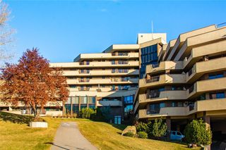 Main Photo: 903/904 300 MEREDITH Road NE in Calgary: Crescent Heights Apartment for sale : MLS®# A1031423