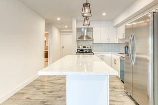 Photo 6: 204 1381 MARTIN STREET: White Rock Condo for sale (South Surrey White Rock)  : MLS®# R2493493