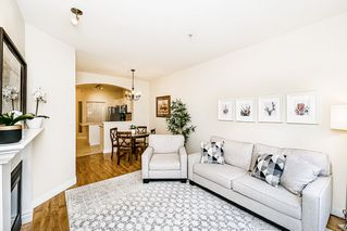 "Photo 3: 301 2175 SALAL Drive in Vancouver: Kitsilano Condo for sale in ""SAVONA"" (Vancouver West)  : MLS®# R2517640"