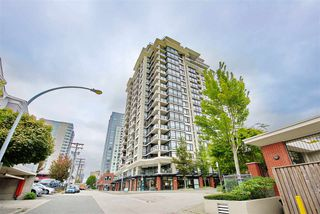 "Photo 16: 701 610 VICTORIA Street in New Westminster: Downtown NW Condo for sale in ""THE POINT"" : MLS®# R2392846"