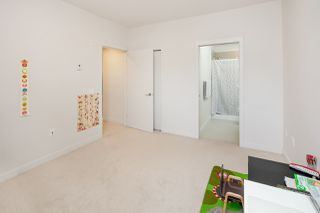 "Photo 14: 311 5981 GRAY Avenue in Vancouver: University VW Condo for sale in ""SAIL"" (Vancouver West)  : MLS®# R2396731"