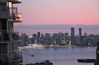 """Main Photo: 1105 125 E 14TH Street in North Vancouver: Central Lonsdale Condo for sale in """"Centreview"""" : MLS®# R2399621"""