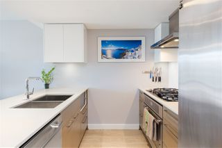 "Photo 3: 906 1618 QUEBEC Street in Vancouver: Mount Pleasant VE Condo for sale in ""CENTRAL"" (Vancouver East)  : MLS®# R2400058"