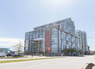 "Photo 1: 906 1618 QUEBEC Street in Vancouver: Mount Pleasant VE Condo for sale in ""CENTRAL"" (Vancouver East)  : MLS®# R2400058"
