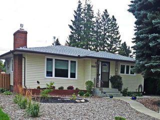 Photo 2: 9507 69A Street in Edmonton: Zone 18 House for sale : MLS®# E4172943