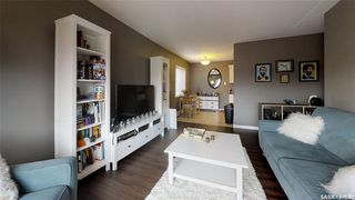 Photo 3: 38 20 Assiniboine Drive in Saskatoon: River Heights SA Residential for sale : MLS®# SK786243