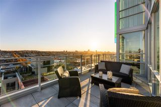 """Main Photo: 1701 1708 ONTARIO Street in Vancouver: False Creek Condo for sale in """"Pinnacle on the Park"""" (Vancouver West)  : MLS®# R2416174"""