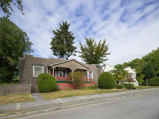 "Photo 2: 1155 MAPLE Street in Vancouver: Kitsilano Fourplex for sale in ""KITS POINT"" (Vancouver West)  : MLS®# R2456628"