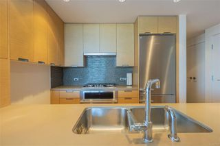 Photo 7: 603 83 Saghalie Rd in : VW Songhees Condo for sale (Victoria West)  : MLS®# 850193