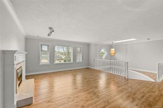 Photo 3: 4108 Larchwood Dr in : SE Lambrick Park House for sale (Saanich East)  : MLS®# 860826