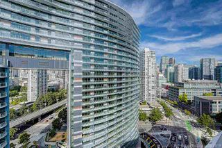 Main Photo: 810 89 NELSON Street in Vancouver: Yaletown Condo for sale (Vancouver West)  : MLS®# R2411656