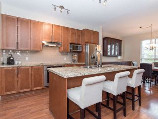 """Photo 6: 101 2738 158 Street in Surrey: Grandview Surrey Townhouse for sale in """"Cathedral Grove"""" (South Surrey White Rock)  : MLS®# R2414064"""