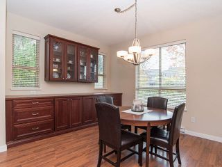 """Photo 7: 101 2738 158 Street in Surrey: Grandview Surrey Townhouse for sale in """"Cathedral Grove"""" (South Surrey White Rock)  : MLS®# R2414064"""