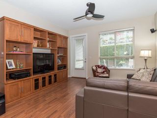 """Photo 4: 101 2738 158 Street in Surrey: Grandview Surrey Townhouse for sale in """"Cathedral Grove"""" (South Surrey White Rock)  : MLS®# R2414064"""
