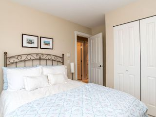 """Photo 12: 101 2738 158 Street in Surrey: Grandview Surrey Townhouse for sale in """"Cathedral Grove"""" (South Surrey White Rock)  : MLS®# R2414064"""
