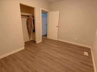 Photo 9: 11916 130 Avenue in Edmonton: Zone 01 House for sale : MLS®# E4182176