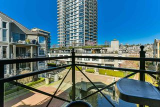 "Photo 15: 304 3 RENAISSANCE Square in New Westminster: Quay Condo for sale in ""The Lido"" : MLS®# R2445388"