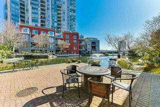 "Photo 19: 304 3 RENAISSANCE Square in New Westminster: Quay Condo for sale in ""The Lido"" : MLS®# R2445388"