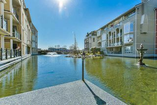 "Photo 17: 304 3 RENAISSANCE Square in New Westminster: Quay Condo for sale in ""The Lido"" : MLS®# R2445388"