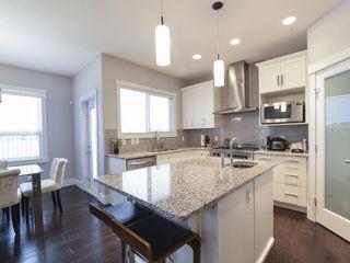 Photo 3: 3240 WINSPEAR Crescent in Edmonton: Zone 53 House for sale : MLS®# E4219712