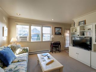 Photo 21: 8585 Lochside Dr in : NS Bazan Bay House for sale (North Saanich)  : MLS®# 860616