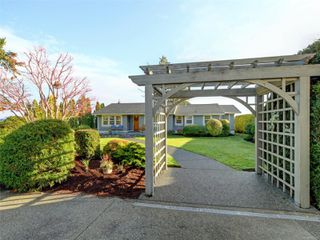 Photo 28: 8585 Lochside Dr in : NS Bazan Bay House for sale (North Saanich)  : MLS®# 860616