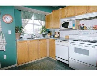 """Photo 6: 109 12099 237TH ST in Maple Ridge: East Central Townhouse for sale in """"GABRIOLA"""" : MLS®# V574780"""
