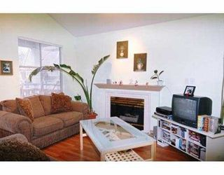 """Photo 3: 109 12099 237TH ST in Maple Ridge: East Central Townhouse for sale in """"GABRIOLA"""" : MLS®# V574780"""