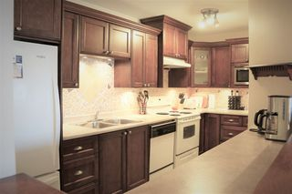 Photo 6: 210 33165 OLD YALE Road in Abbotsford: Central Abbotsford Condo for sale : MLS®# R2390115
