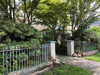 Photo 1: 101 825 W 15TH Avenue in Vancouver: Fairview VW Condo for sale (Vancouver West)  : MLS®# R2393622