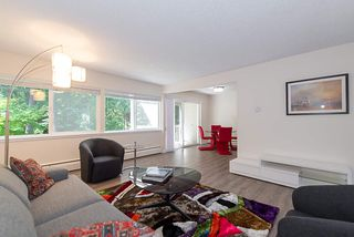 """Photo 2: 867 WESTVIEW Crescent in North Vancouver: Upper Lonsdale Condo for sale in """"CYPRESS GARDENS"""" : MLS®# R2395425"""