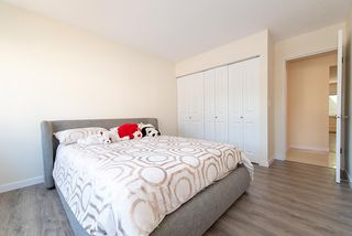 """Photo 13: 867 WESTVIEW Crescent in North Vancouver: Upper Lonsdale Condo for sale in """"CYPRESS GARDENS"""" : MLS®# R2395425"""