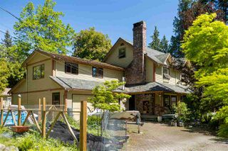 Photo 3: 102 LARSON Road in Gibsons: Gibsons & Area House for sale (Sunshine Coast)  : MLS®# R2456470